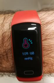 Fitness-Armband-Blutdruck-Messen3